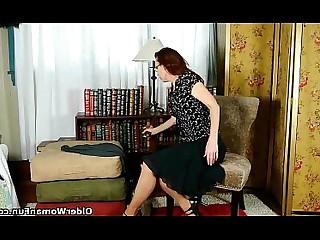 Cougar HD Mammy Masturbation Mature MILF Nylon Panties